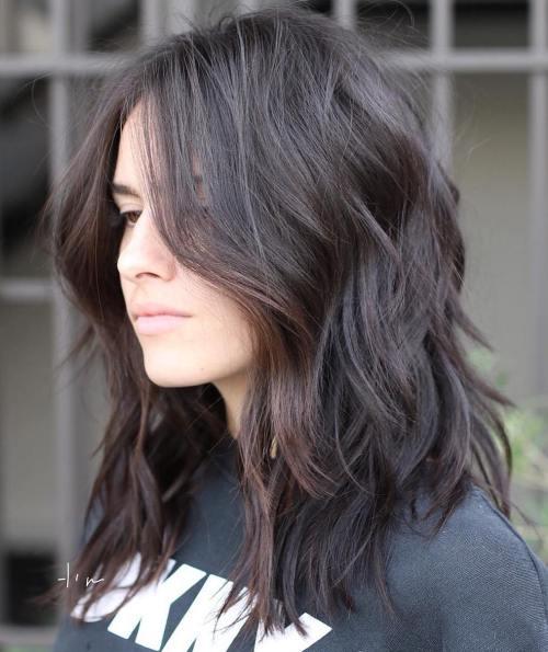 70 coupes de cheveux en couches moyennes les plus brillantes pour vous eclairer 5e414b0ba9329 - 70 coupes mi longs de cheveux en couches les plus brillantes pour vous éclairer