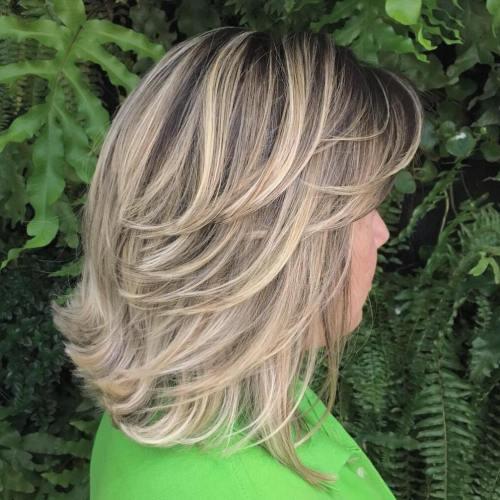 70 coupes de cheveux en couches moyennes les plus brillantes pour vous eclairer 5e414b0bc513b - 70 coupes mi longs de cheveux en couches les plus brillantes pour vous éclairer