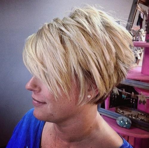 70 idees ecrasantes pour des coupes de cheveux courtes et saccadees 5e4142f0b9e8d - 70 idées écrasantes pour des coupes de cheveux courtes et saccadées