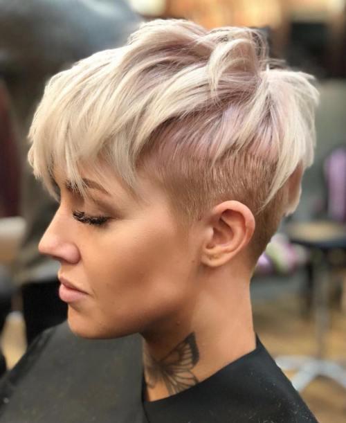 70 idees ecrasantes pour des coupes de cheveux courtes et saccadees 5e4142f2799a6 - 70 idées écrasantes pour des coupes de cheveux courtes et saccadées