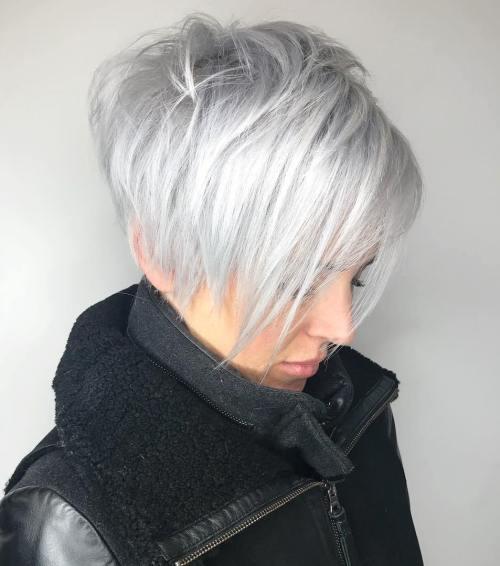 70 idees ecrasantes pour des coupes de cheveux courtes et saccadees 5e4142f2afcad - 70 idées écrasantes pour des coupes de cheveux courtes et saccadées