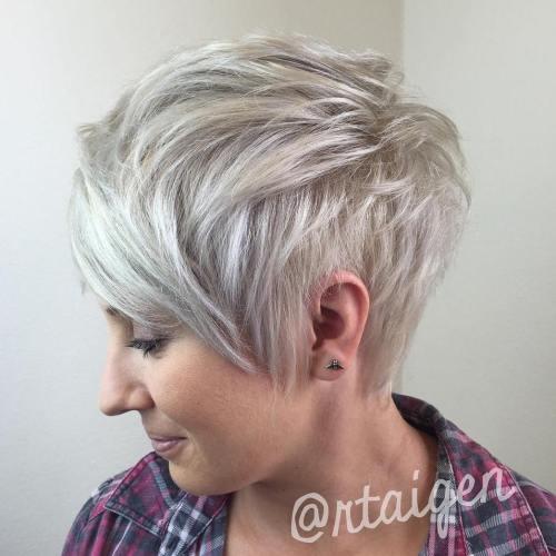 70 idees ecrasantes pour des coupes de cheveux courtes et saccadees 5e4142f68c360 - 70 idées écrasantes pour des coupes de cheveux courtes et saccadées