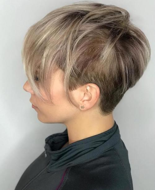 70 idees ecrasantes pour des coupes de cheveux courtes et saccadees 5e4142f7df026 - 70 idées écrasantes pour des coupes de cheveux courtes et saccadées