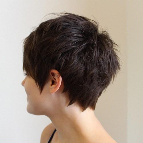 70 idees ecrasantes pour des coupes de cheveux courtes et saccadees 5e4142f8598fc - 70 idées écrasantes pour des coupes de cheveux courtes et saccadées