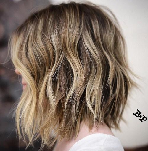 80 coupes de cheveux sensationnelles de longueur moyenne pour les cheveux epais 5e414abb3395f - 80 coupes de cheveux sensationnelles de longueur moyenne pour les cheveux épais