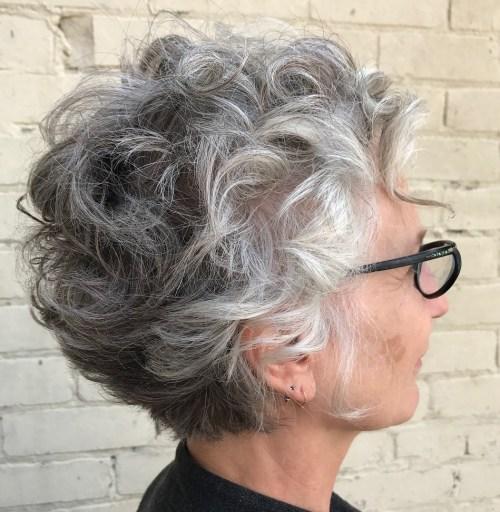 90 coiffures courtes chics et simples pour les femmes de plus de 50 ans 5e41430e756d4 - Drôles de pâtes chez L'Emile Saveurs.