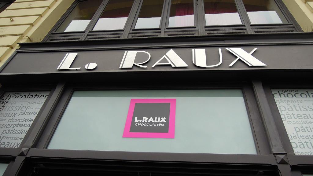 boutique patisserie raux - Pâtisserie Lionel Raux - Bayonne & Biarritz - Chocolatier & Traiteur