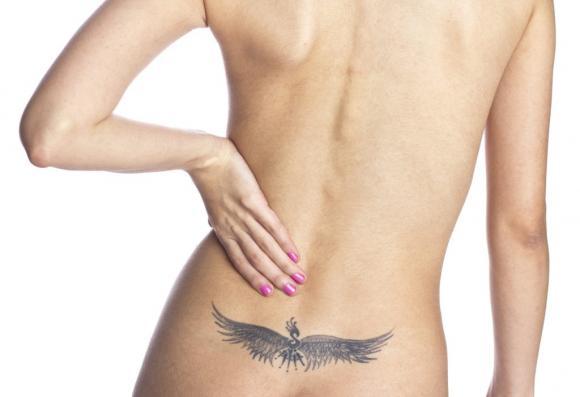 femme tatouage 4 - tatouages féminins: où les trouver et leur signification