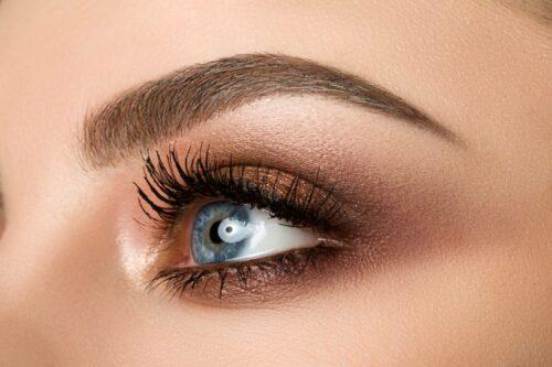 maquillage produits comment choisir 500x333 - Comment choisir ses produits de maquillage quand on débute ?