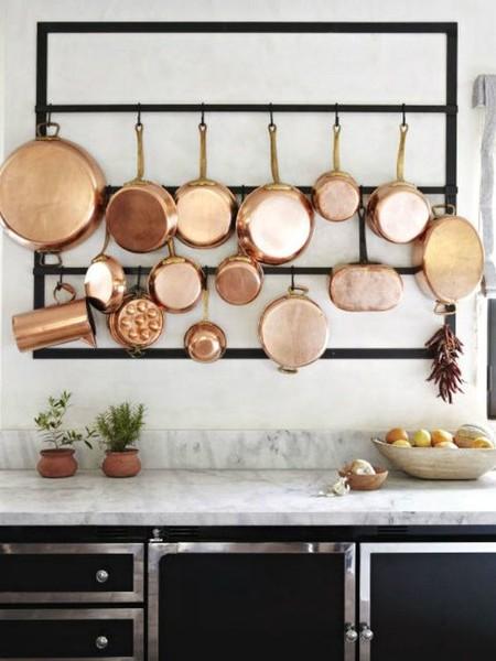 17 idees pour decorer la cuisine avec des accessoires et des meubles en cuivre 5e5a6430d710f - 17 idées pour décorer la cuisine avec des accessoires et des meubles en cuivre