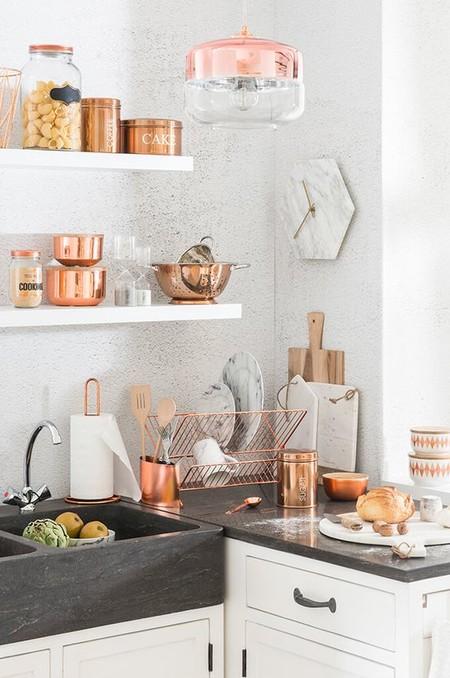 17 idees pour decorer la cuisine avec des accessoires et des meubles en cuivre 5e5a6431322e5 - 17 idées pour décorer la cuisine avec des accessoires et des meubles en cuivre