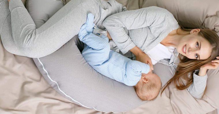 Comment choisir le meilleur coussin d'allaitement