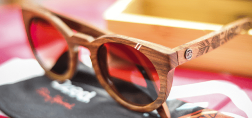 lunettes bois soleil 500x234 - 4 bonnes raisons pour porter des lunettes de soleil en bois