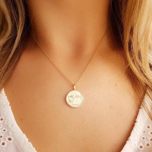 bijou collier plaque or - Vous voulez être belle et chic toute l'année?