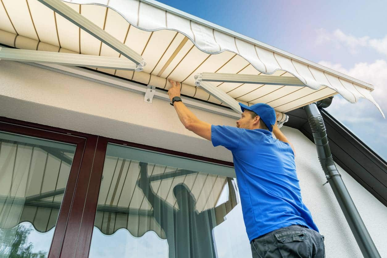 installer exterieur terrasse proteger store - Installer un store extérieur pour protéger sa terrasse