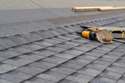 remplacement renovation toiture 400x267 - Rénovation ou remplacement de la toiture ?
