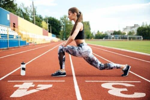 bcaa poudre sportive 500x334 - Comment être sportive et toujours en forme?