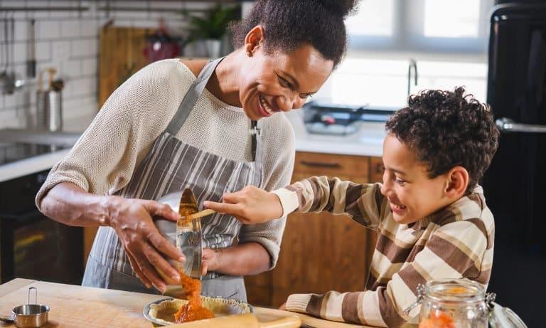 cooking at home 5f09ca9c50d8f - Cuisiner à la maison