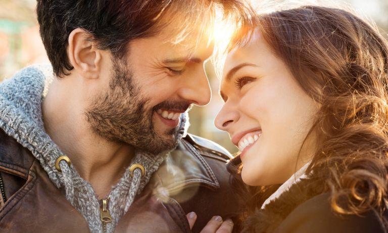 Comment le lien d'attachement façonne les relations entre adultes