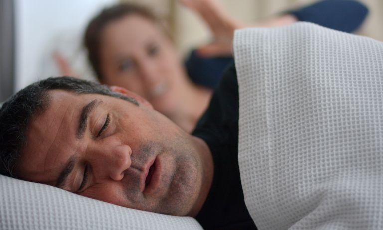 how to stop snoring 5f09cbd1852b7 - Comment arrêter de ronfler
