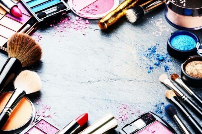 les produits incontournables de votre make up 650x432 - Les produits incontournables de votre make-up !