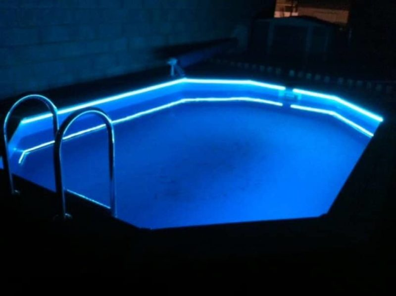 ruban led piscine 800x598 - 10 idées pour éclairer et décorer avec avec des rubans LED