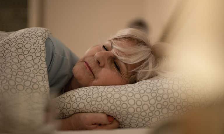sleep tips for older adults 5f09c0c3e8587 - Conseils pour le sommeil des personnes âgées