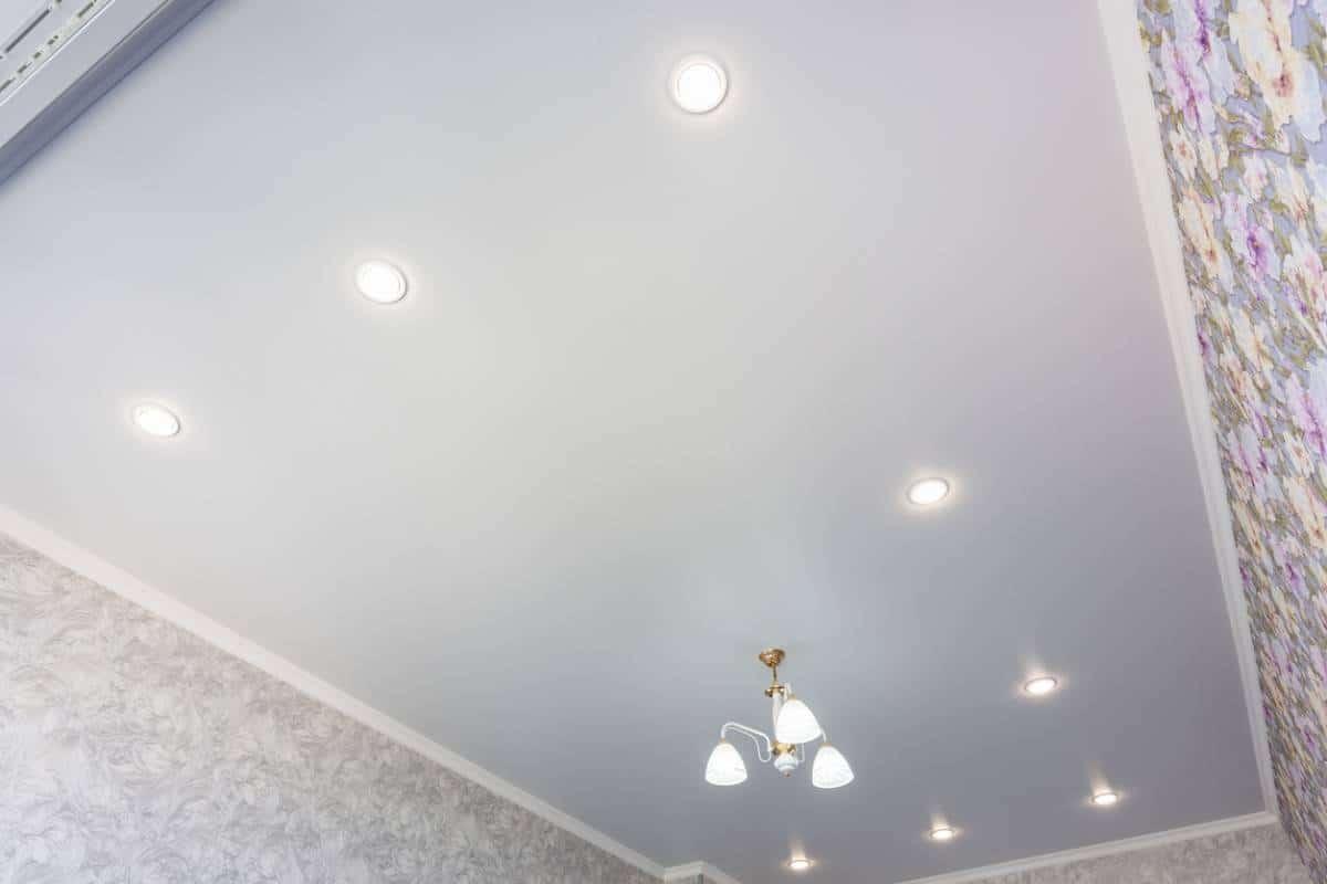 Un plafond romantique avec le ciel étoilé