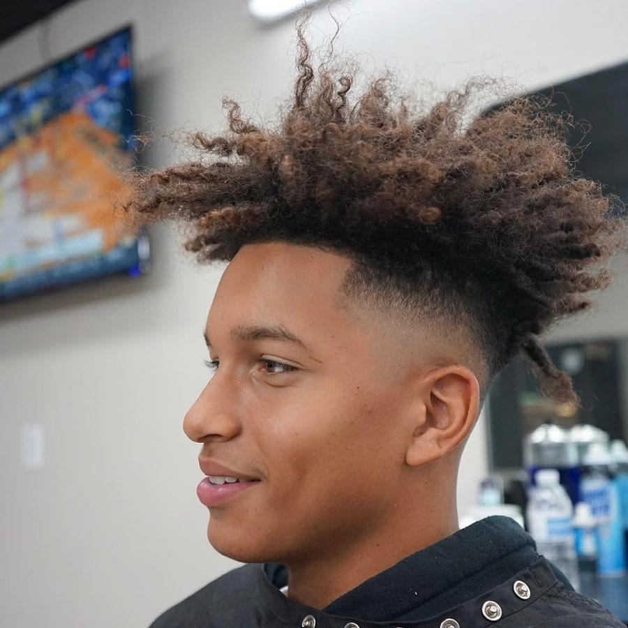100 coupes de cheveux les plus populaires pour les hommes pour 2020 5f3f760dde385 - 100+ coupes de cheveux les plus populaires pour les hommes pour 2020