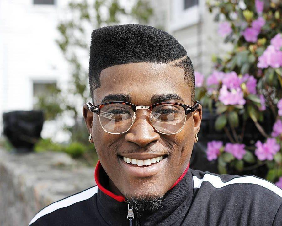47 coupes de cheveux cool et elegantes pour les hommes noirs a essayer maintenant 5f3f941b723c7 - 47 coupes de cheveux cool et élégantes pour les hommes noirs à essayer maintenant
