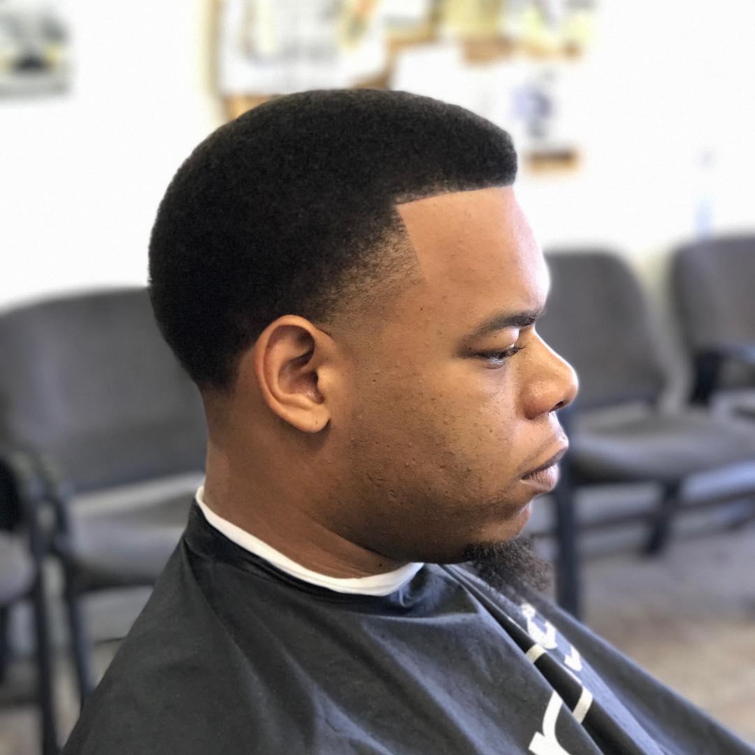 47 coupes de cheveux cool et elegantes pour les hommes noirs a essayer maintenant 5f3f942136110 - 47 coupes de cheveux cool et élégantes pour les hommes noirs à essayer maintenant