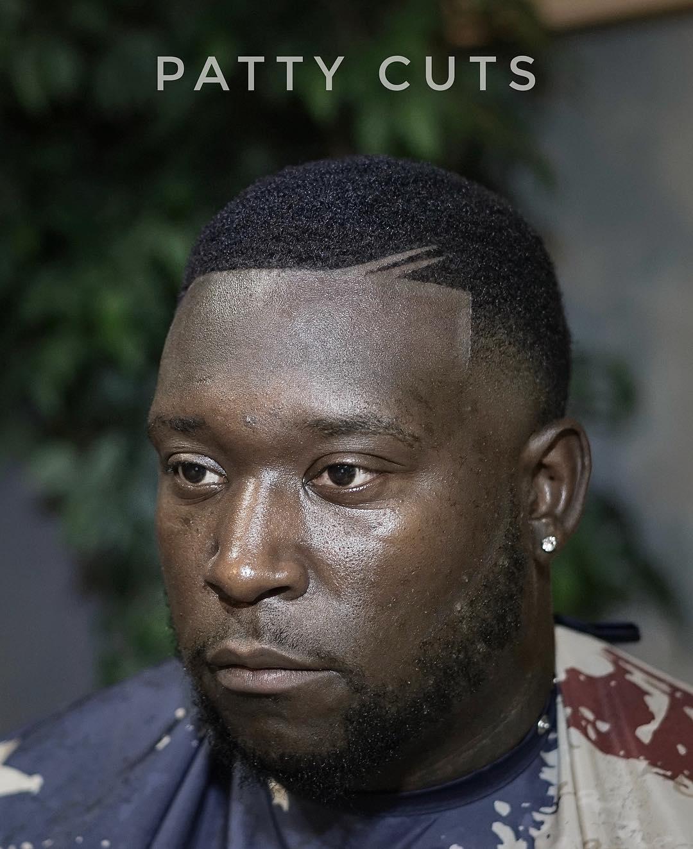 47 coupes de cheveux cool et elegantes pour les hommes noirs a essayer maintenant 5f3f94218d409 - 47 coupes de cheveux cool et élégantes pour les hommes noirs à essayer maintenant
