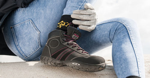 chaussure securite femme 500x260 - Mesdames, avez-vous préparé vos chaussures de sécurité pour la rentrée ?