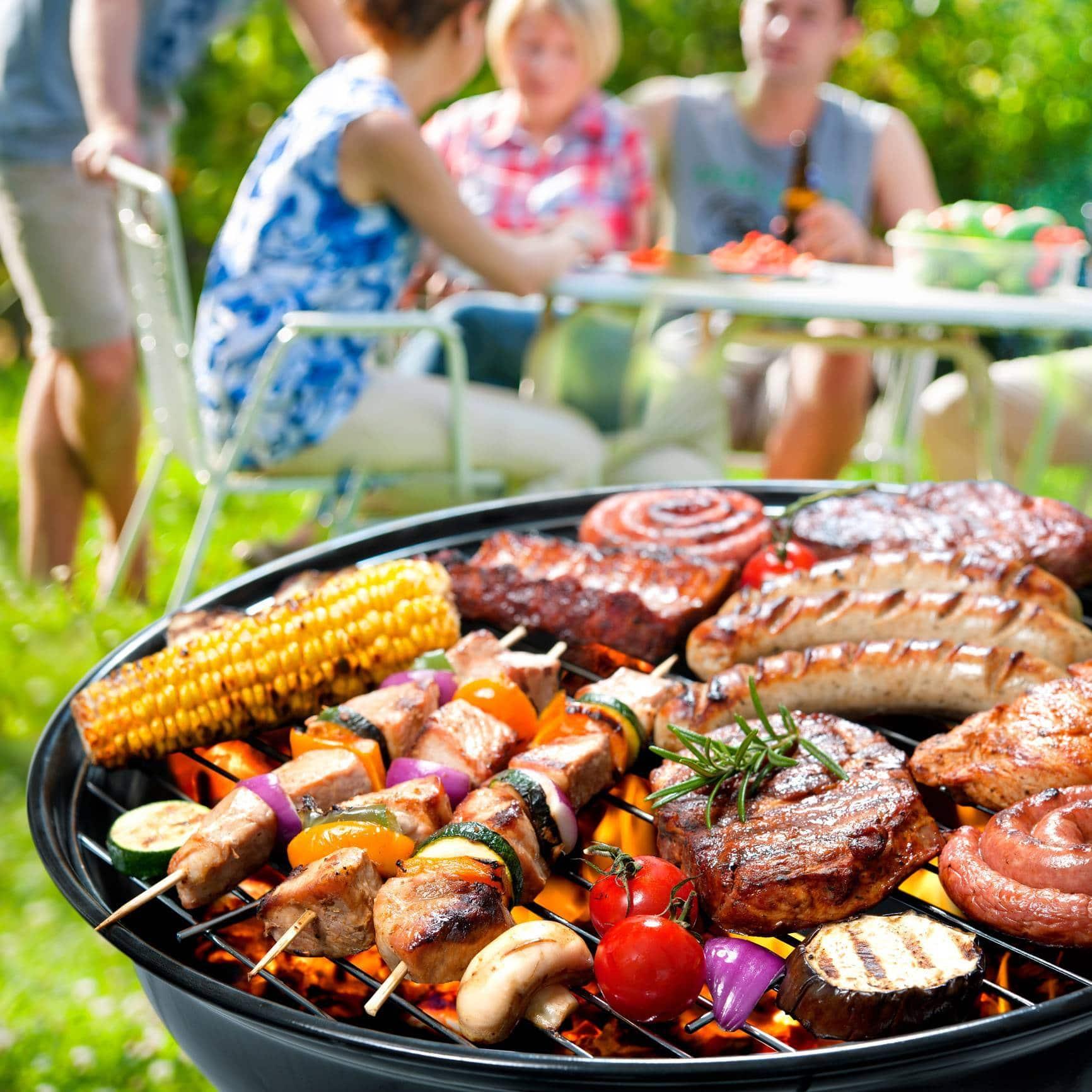 visu organiser familial barbecue un - Comment organiser un barbecue familial ?