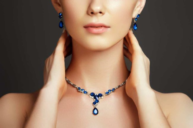 cristal swarovski creez un bijou unique 650x433 - Cristal Swarovski : créez un bijou unique