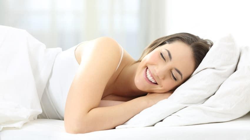 femme matelas repos - Un bon matelas pour des nuits douces et reposantes