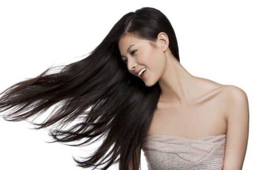 modele lissage bresilien femme 500x333 - Comment se coiffer de façon professionnelle sans sortir de la maison ?