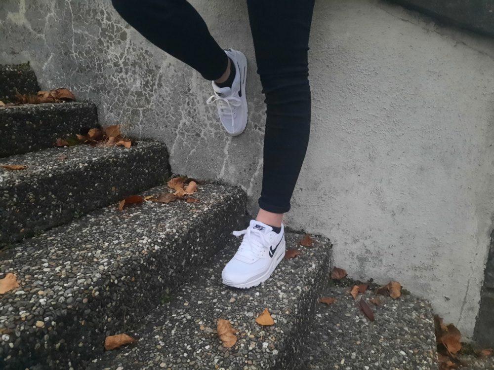 Resized 20201129 165822 e1606746109897 - Bien dans nos sneakers ! On a essayé pour vous les Air Max 90 et les Nike React Vision
