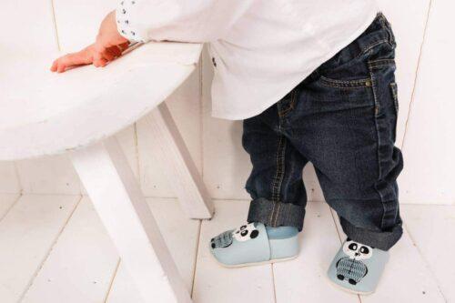 chaussons tendance premier offrez 500x333 - Premier Noël de Bébé : offrez des chaussons en cuir tendance