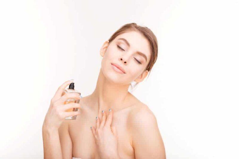 choix parfum femme hiver 800x533 - Choisir le bon parfum pour l'hiver