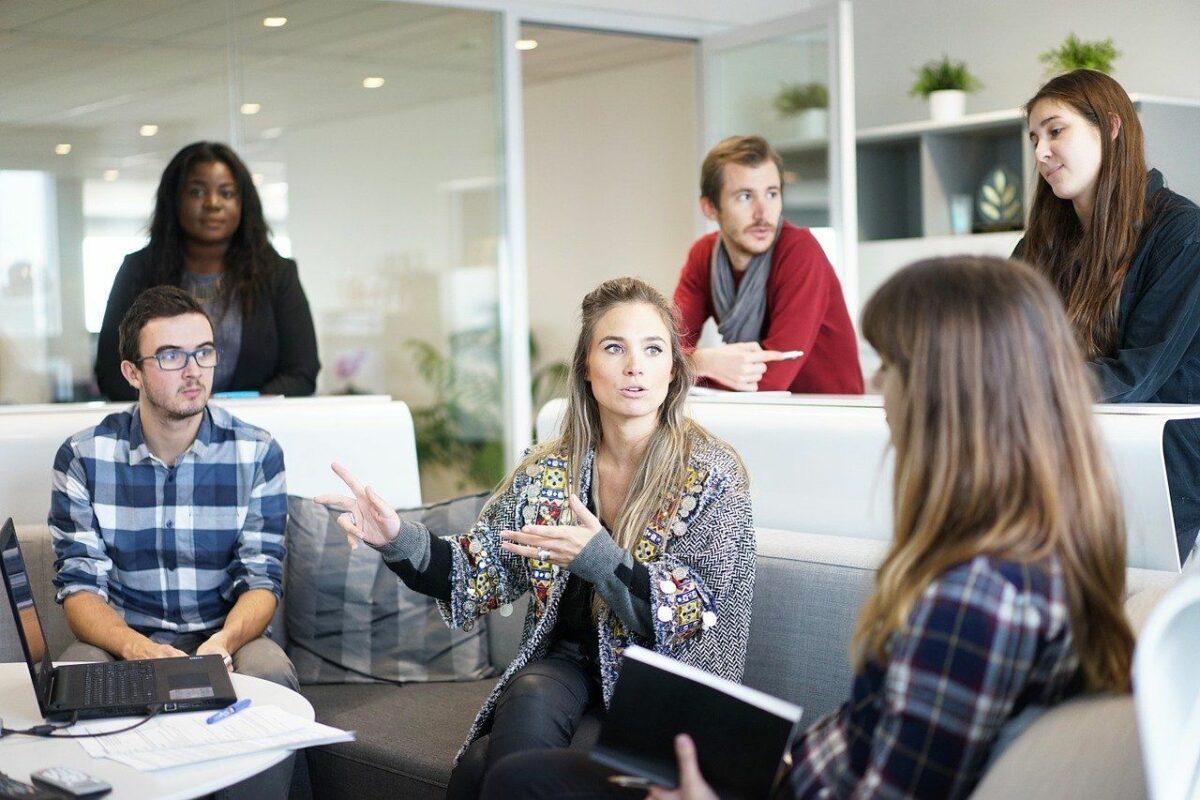 femme manager 1200x800 - Pourquoi les femmes sont de bons managers ?