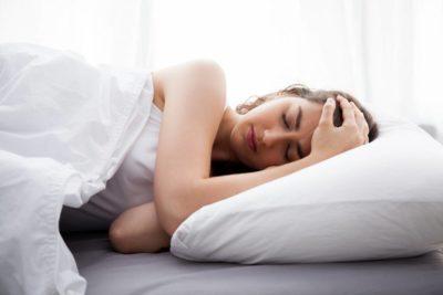 media oreiller sommeil 400x267 - Mauvais sommeil ? Et si c'était l'oreiller ?