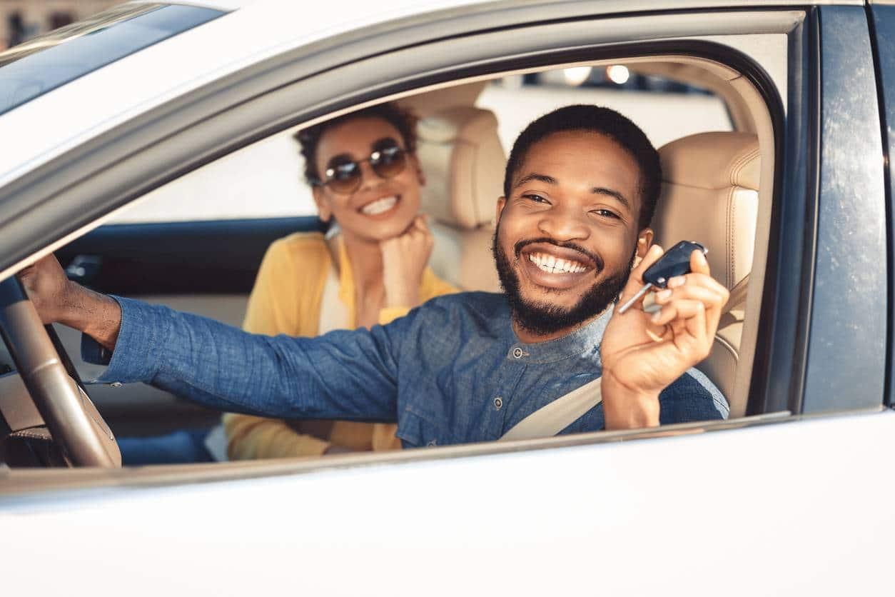 picture demarches conjoint voiture - Don d'une voiture à votre conjoint : quelles démarches ?