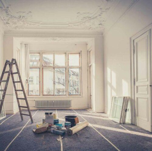 renovation maison piece covid19 500x497 - Reconfinement : profitez de votre temps libre pour effectuer des travaux de rénovation dans votre maison