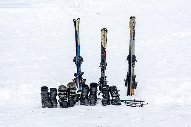 ski 2169625 640 - Vacances à la neige : comment choisir la bonne chaussure de ski ?