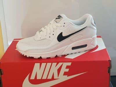 sneaker nike air max 90 femme jd sports scaled e1606744010900 - Bien dans nos sneakers ! On a essayé pour vous les Air Max 90 et les Nike React Vision