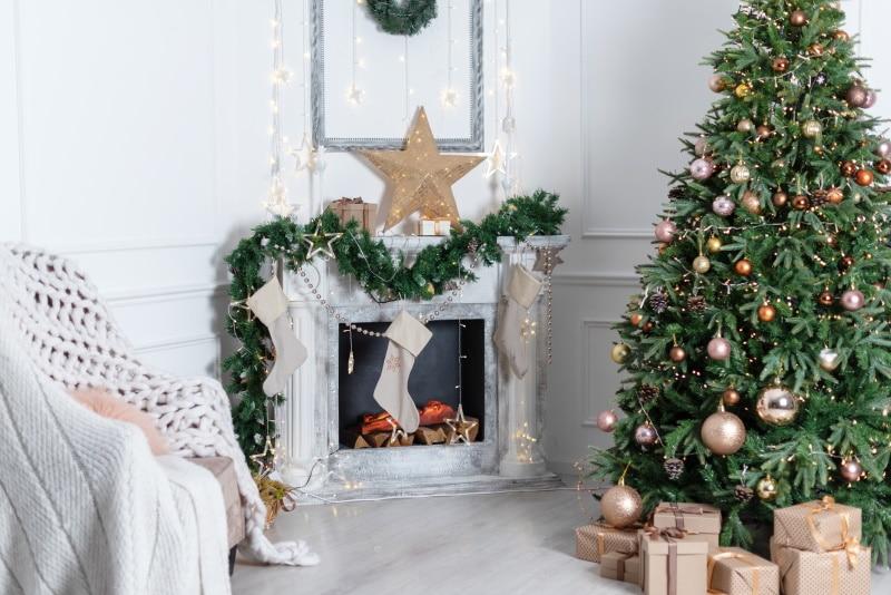 guirlande lumineuse Noel interieur - Décorer la maison pour Noël : pensez aux guirlandes lumineuses LED !