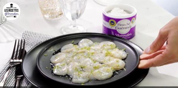 recette carpacio st jacques 600x298 - Une entrée rafraîchissante et facile à réaliser pour vos repas de fête