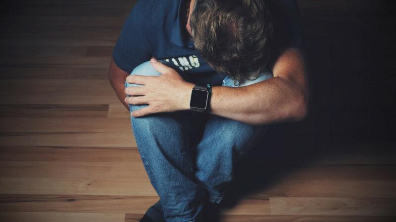 b1f048b1e22bf59551a33587dcf06774 800x450 - Est-il possible de soulager la douleur avec du CBD ?