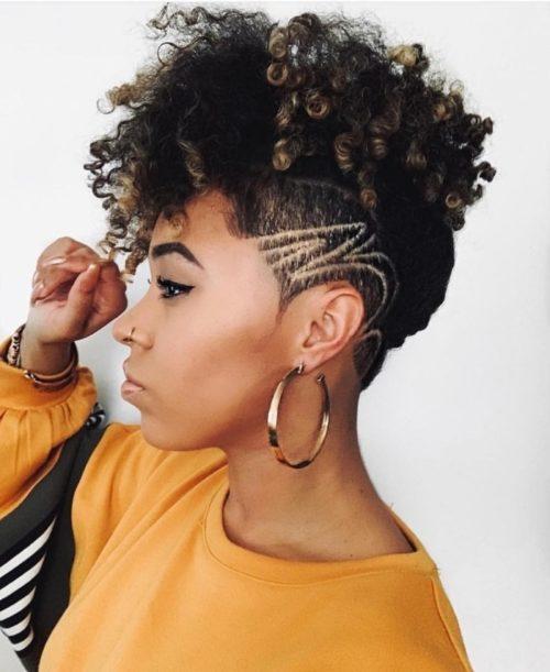 coupe courte femme afr crepus e1611569213105 - Coiffez-vous avec une coupe courte femme - Coiffure Femme en 2020 2021